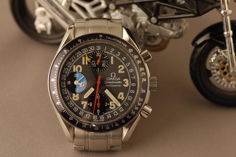 Feu de vos montres à fond anthracite Speedmaster